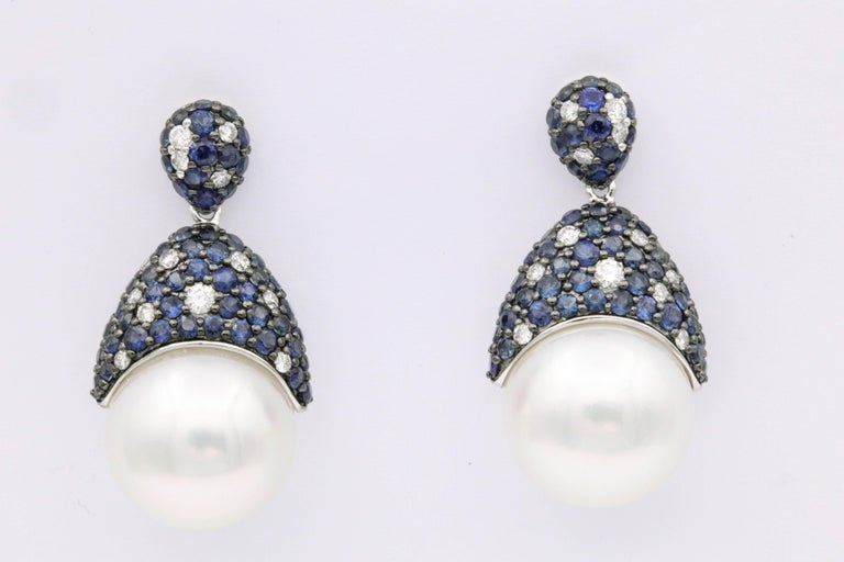 18k white gold South Sea Pearl 13-14mm Diamonds 0.45 Carats Sapphire 3.00 Carats