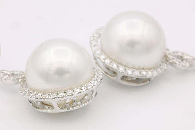 South Sea Pearl and Diamond Dangle Earrings In New Condition For Sale In New York, NY