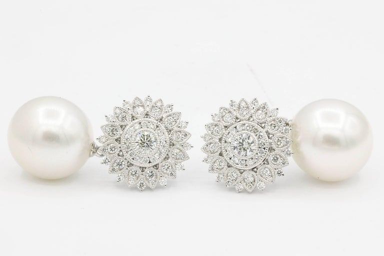 Sunflower Diamond Setting with South Sea Pearl Dangle Arrings In New Condition For Sale In New York, NY