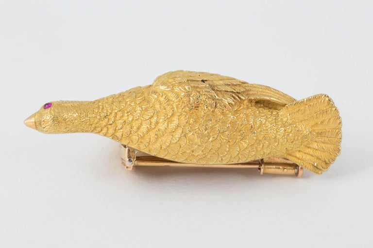 Brooch Heavy Quality 18 Carat Gold Grouse in Flight Ruby Eye Hermes Paris For Sale 1