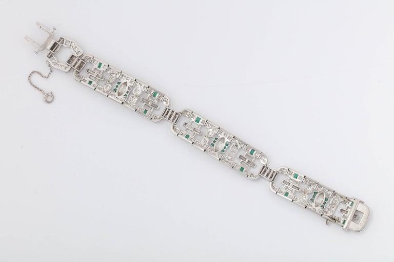 Art Deco 1920s Flexible Emerald with Diamonds Platinum Open Link Bracelet For Sale 1