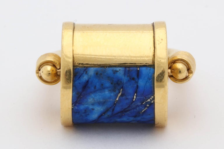 1980s Cellini Padlock Design Reversible Lapis Lazuli and Gold Rolltop Ring For Sale 2