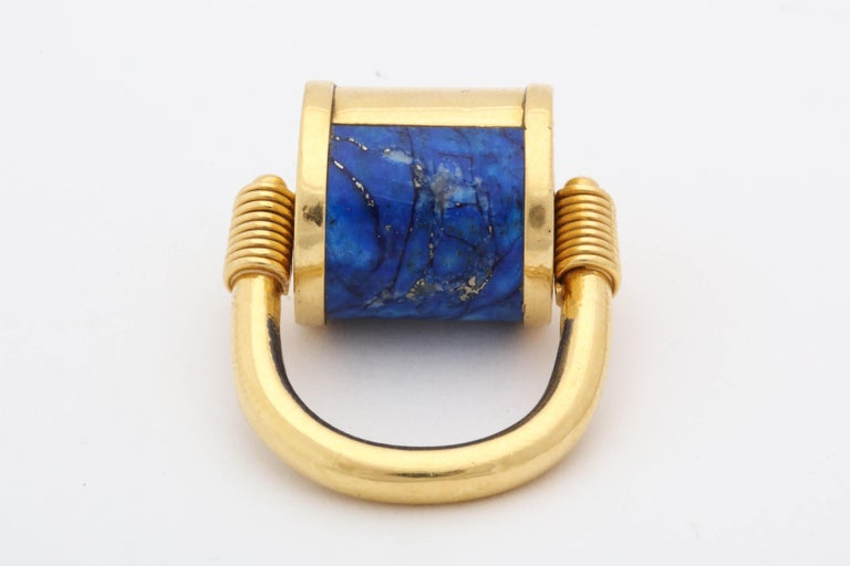 1980s Cellini Padlock Design Reversible Lapis Lazuli and Gold Rolltop Ring For Sale 5