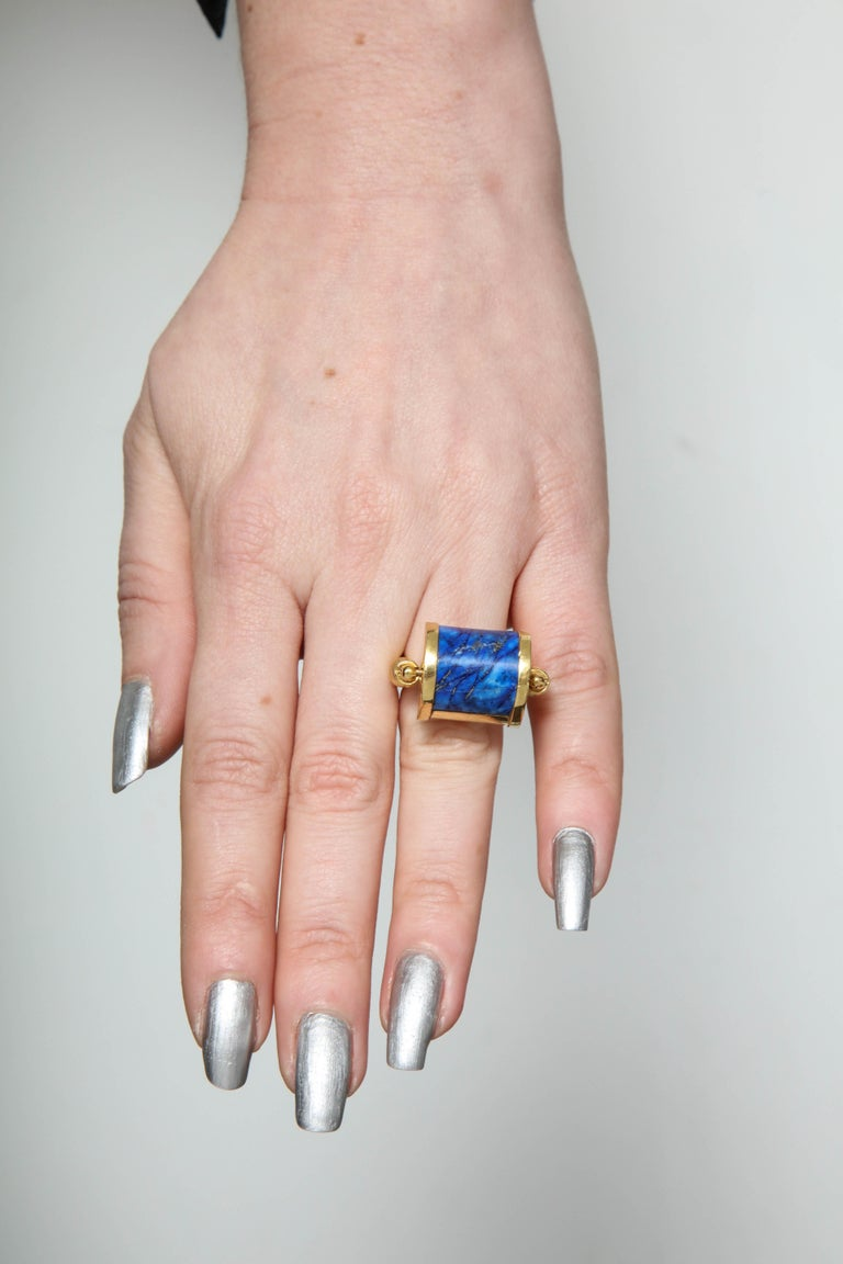 1980s Cellini Padlock Design Reversible Lapis Lazuli and Gold Rolltop Ring For Sale 11