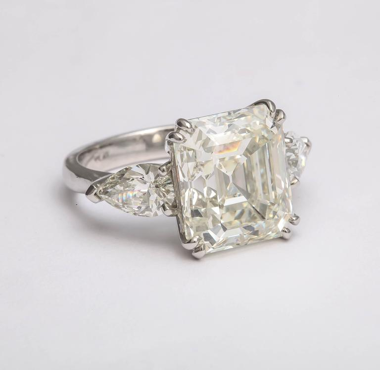 Sensational Emerald Cut Diamond Ring In As new Condition For Sale In TRYON, NC