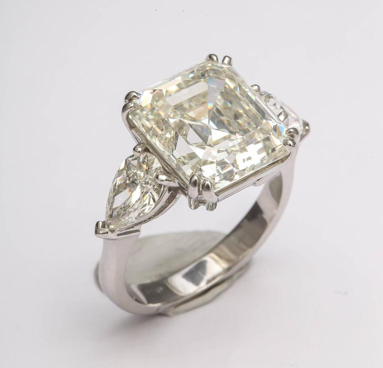 Sensational Emerald Cut Diamond Ring For Sale 3