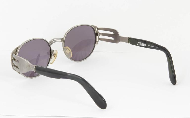 Jean Paul Gaultier Vintage 56-3281 Fork Sunglasses In Excellent Condition For Sale In New York, NY