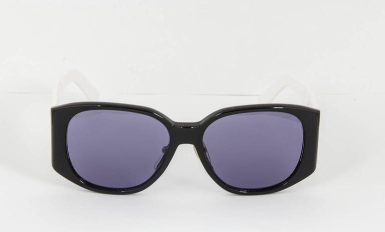 Sunglasses Logo Black And White Chanel Black An...