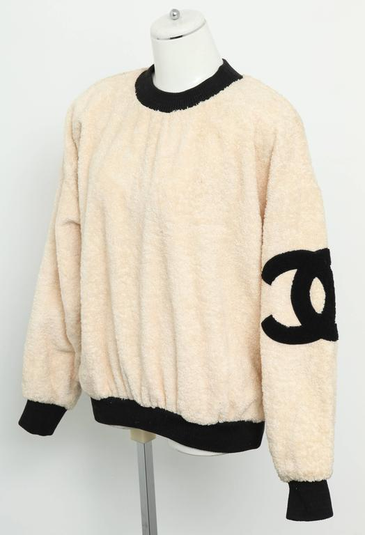 Vintage Chanel Sweat Shirt Sweater with Iconic CC  3