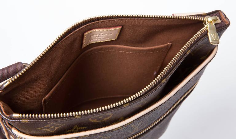 5b31d5c0f5eb Louis Vuitton Monogram Valmy Pochelle M40524 Brown