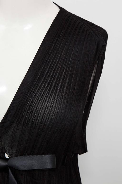 Chanel Black Sleeveless Knit Top with Bow In Excellent Condition For Sale In New York, NY