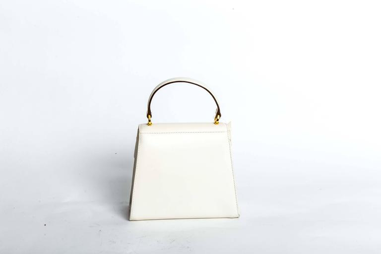 Ferragamo Vintage Vara Bow Two Way Bag in White Leather For Sale 1