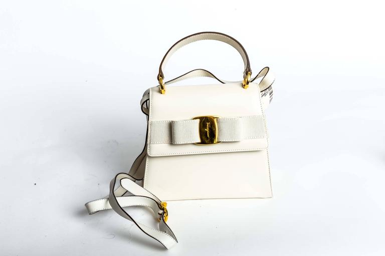 Ferragamo Vintage Vara Bow Two Way Bag in White Leather For Sale 5