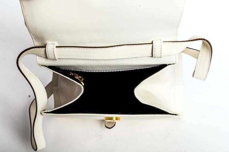 Ferragamo Vintage Vara Bow Two Way Bag in White Leather For Sale 6
