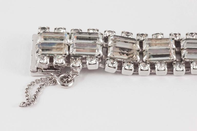 Wonderfully architectural rhodium plated rhinestone cocktail bracelet, 1950s  For Sale 1
