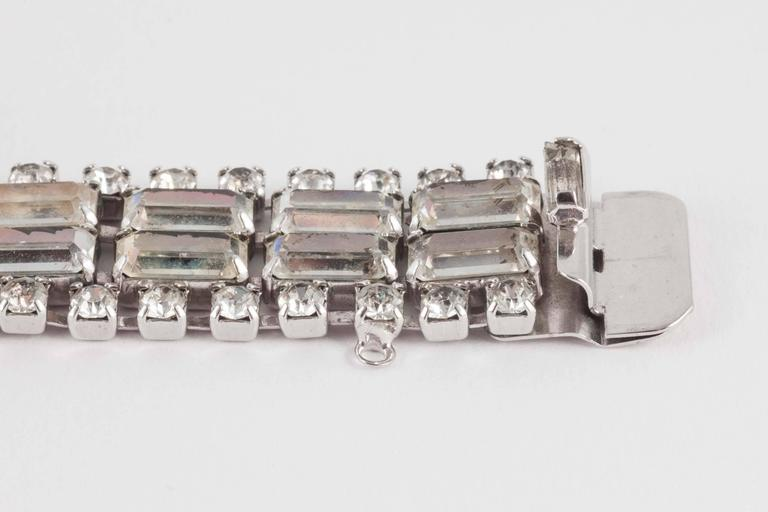 Wonderfully architectural rhodium plated rhinestone cocktail bracelet, 1950s  For Sale 2