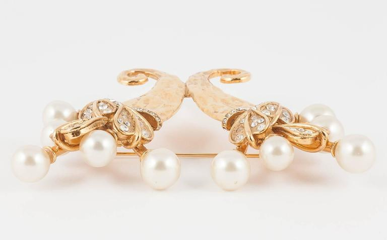 Chanel pearl and gilt cornucopia brooch dated 2003  4