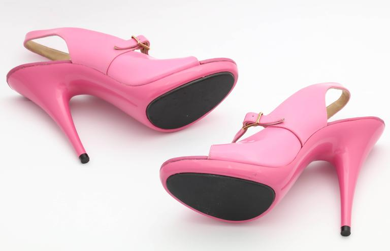 1995 Vintage Chanel Claudia Schiffer Pink Sandal Shoes For Sale 1