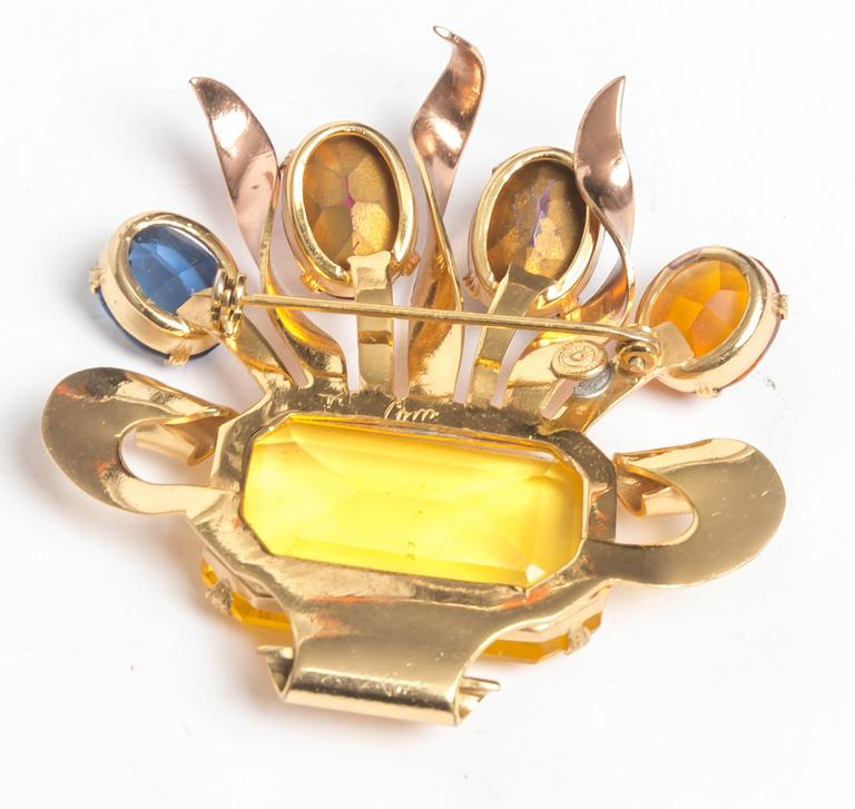 Vintage Coro Brooch In Excellent Condition For Sale In Westhampton Beach, NY