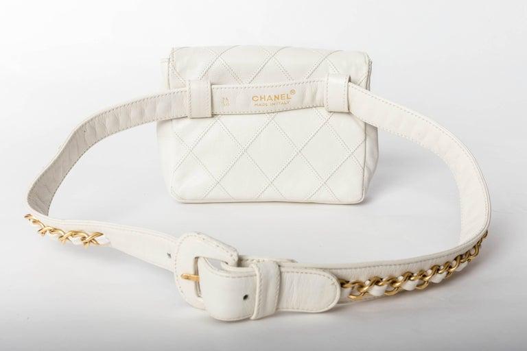 Chanel Vintage White Lambskin Fanny Pack  2