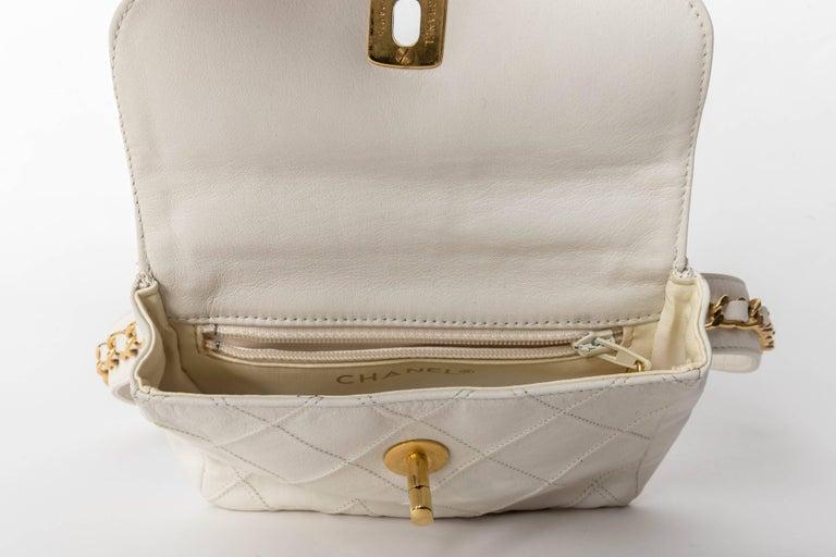 Chanel Vintage White Lambskin Fanny Pack  3