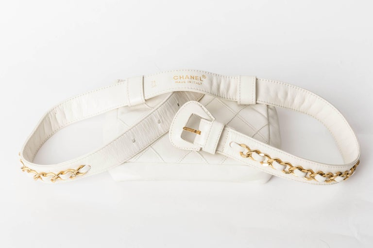 Chanel Vintage White Lambskin Fanny Pack  6