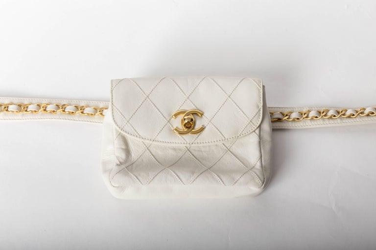 Chanel Vintage White Lambskin Fanny Pack  8