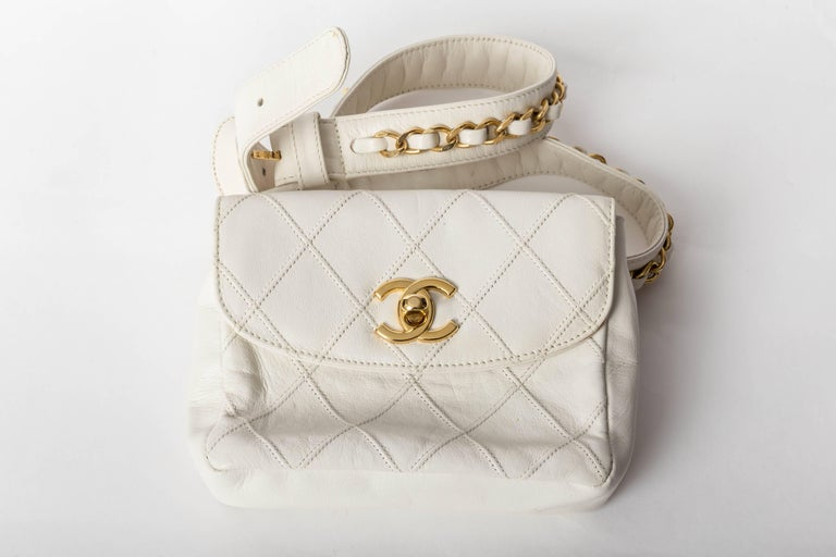 Chanel Vintage White Lambskin Fanny Pack  9