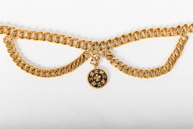 Chanel Vintage Gold Plated Belt with Charm For Sale 3