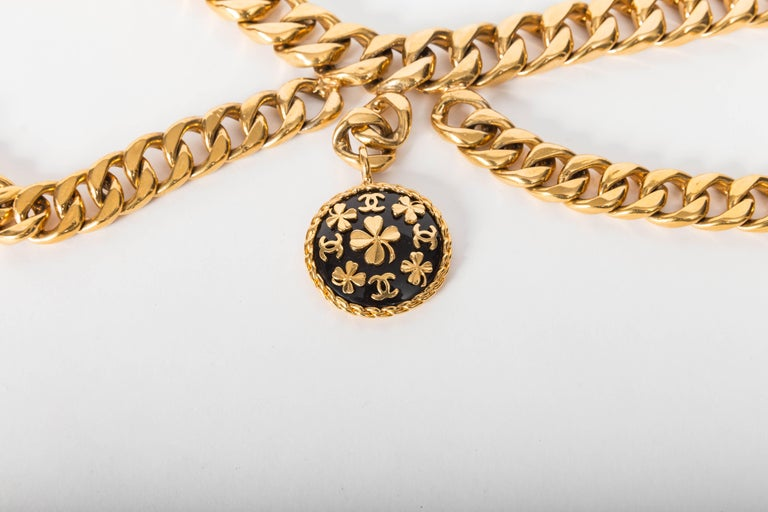 Chanel Vintage Gold Plated Belt with Charm For Sale 7
