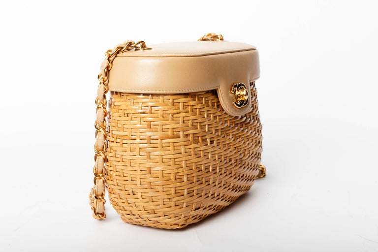 Women's Chanel Vintage Lambskin and Straw Shoulder Bag with Gold Hardware  For Sale