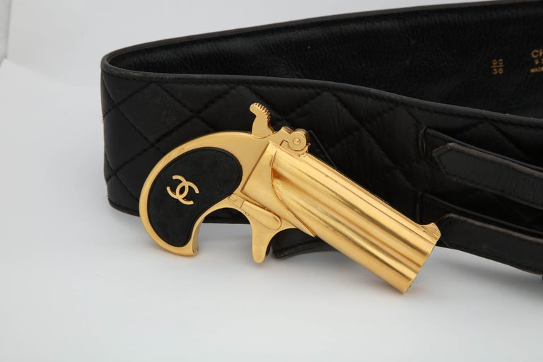 Rare Vintage Chanel Gun Motif Leather Belt In Good Condition For Sale In New York, NY