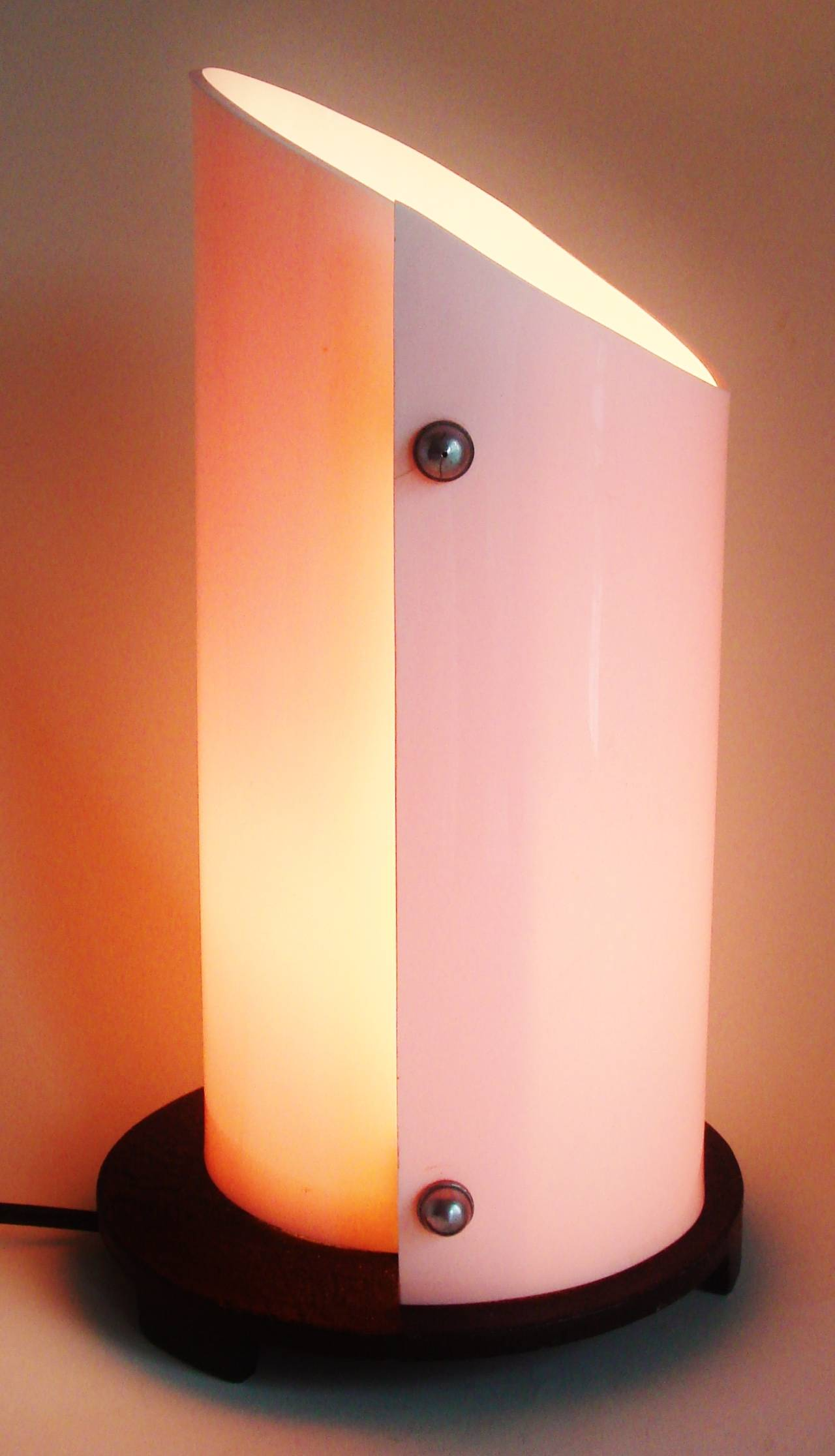Stunning British Art Deco or Moderne Pink Lucite and Black Enamel Accent Lamp 7