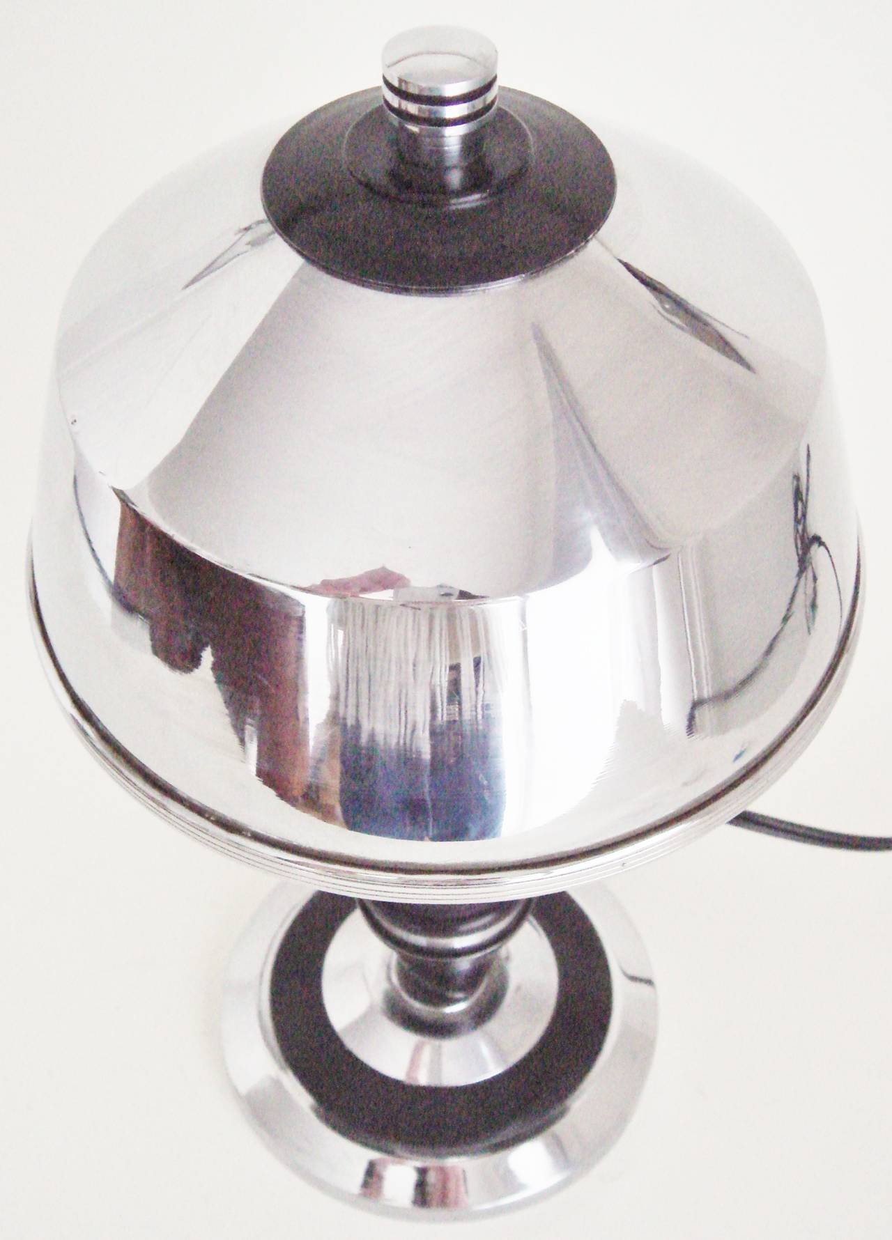 Rare Pair of American Art Deco or Machine Age Chrome and Black Boudoir Lamps For Sale 3