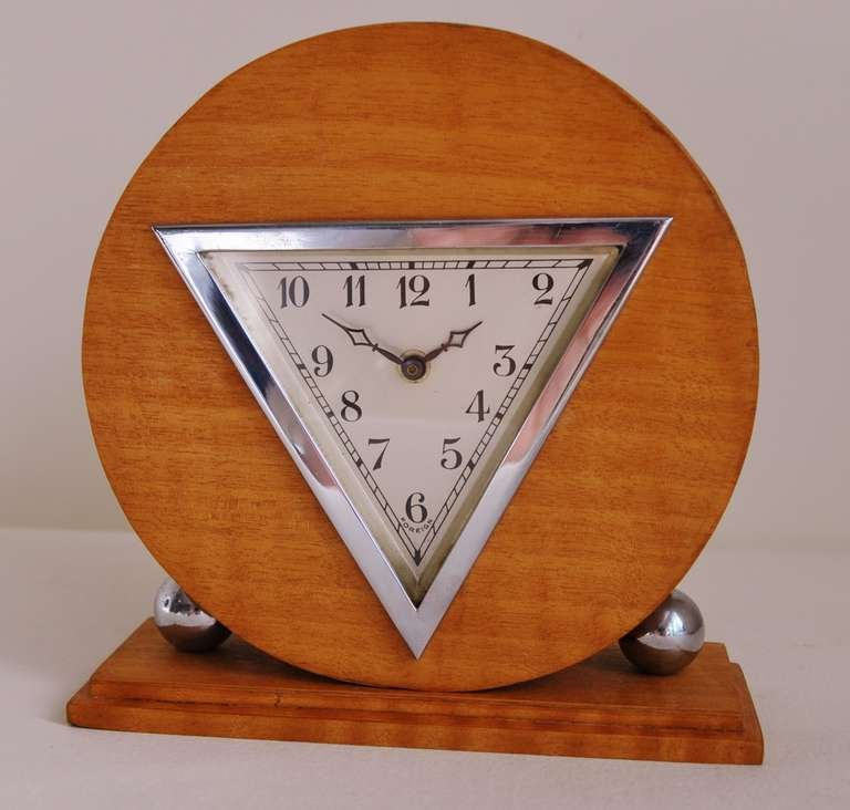 German Art Deco Chrome and Striped Blonde Veneer Mechanical Table Clock In Excellent Condition In Port Hope, ON