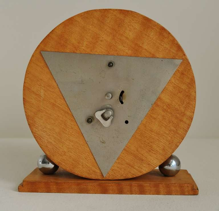 Mid-20th Century German Art Deco Chrome and Striped Blonde Veneer Mechanical Table Clock
