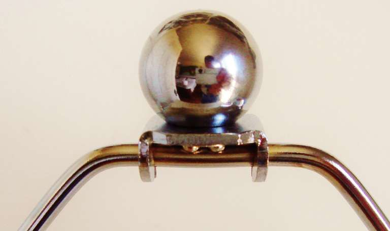 Mid-20th Century American Art Deco or Machine Age Copper and Chrome Plated Metal Table Lamp For Sale