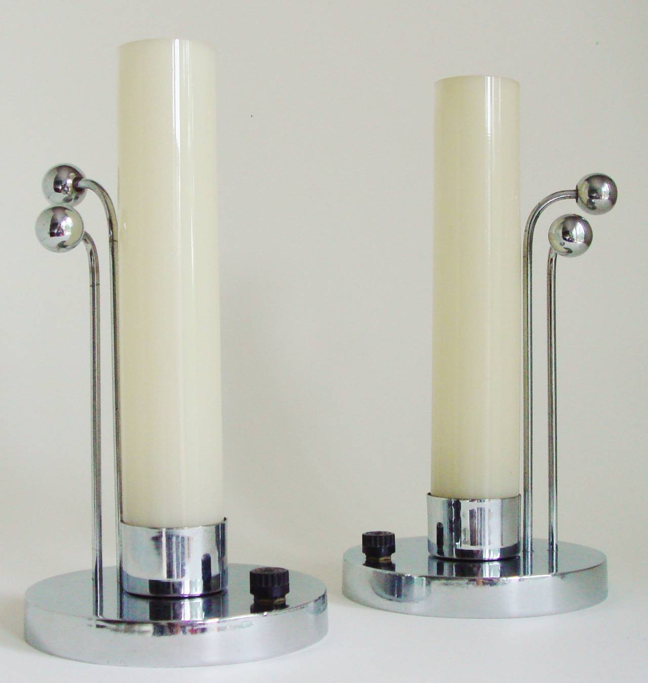 pair of american art deco chrome boudoir lamps with opaline glass shades for sale at 1stdibs. Black Bedroom Furniture Sets. Home Design Ideas
