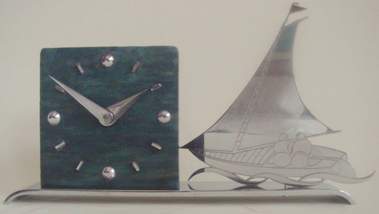 Mid-20th Century French Art Deco Figurative Marbled Galalith & Chrome Racing Yacht Shelf Clock. For Sale