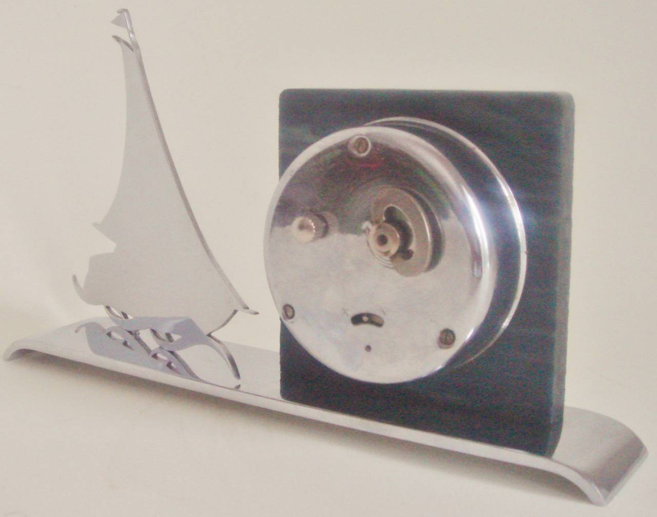 French Art Deco Figurative Marbled Galalith & Chrome Racing Yacht Shelf Clock. For Sale 2