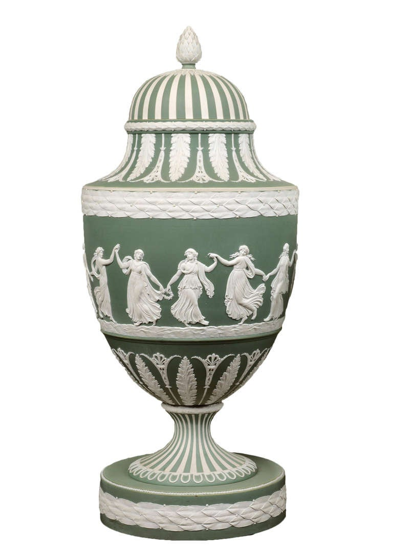 A Large Pair of Green Ground Jasperware Wedgwood Vases - English circa 1870 In Excellent Condition In London, GB