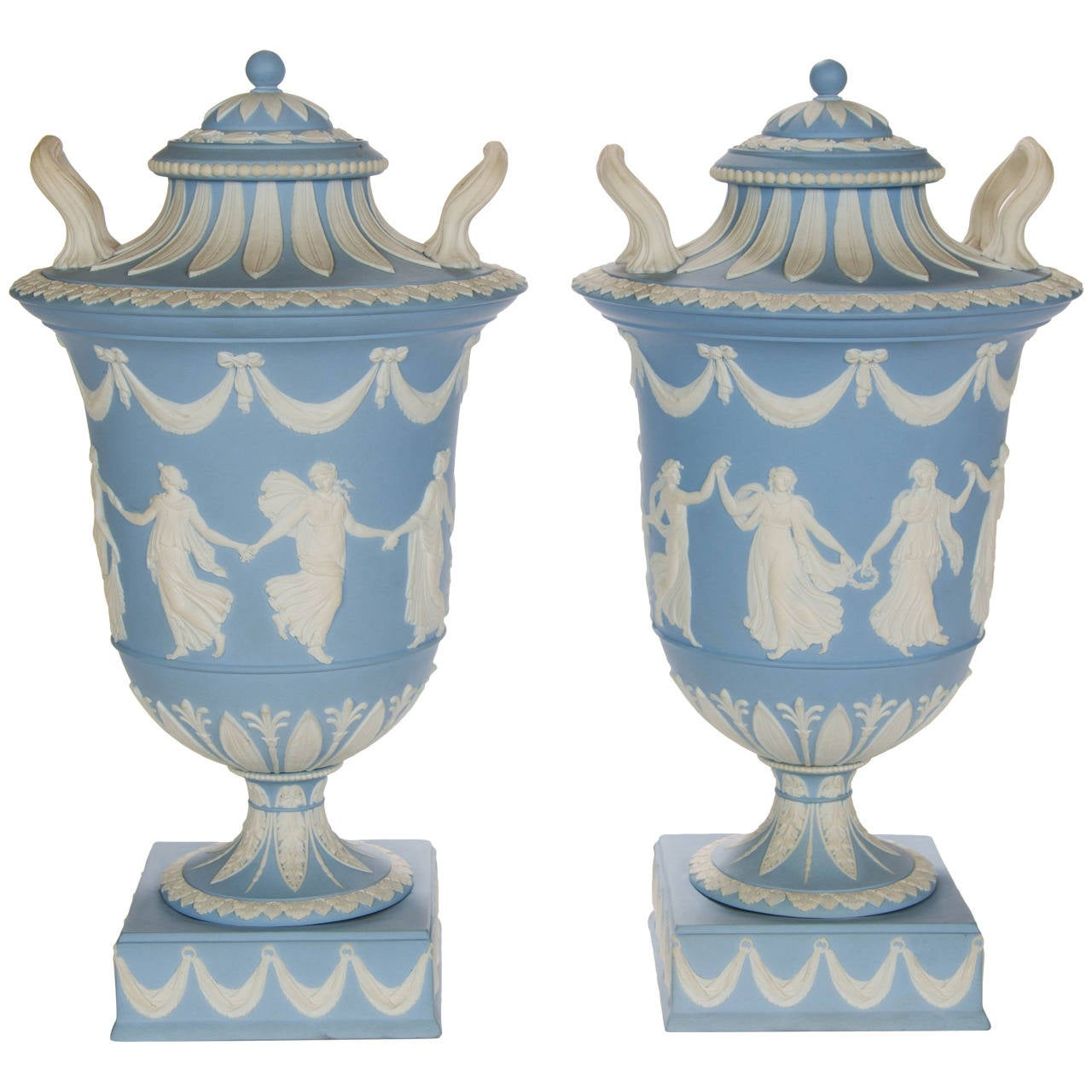 A pair of wedgwood vases at 1stdibs a pair of wedgwood vases for sale reviewsmspy
