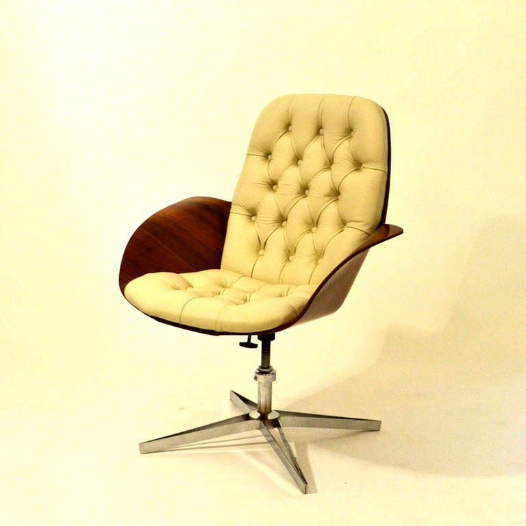 Lounge chair by george mulhauser for plycraft at 1stdibs for Kopie eames chair