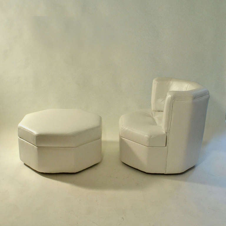 1960 39 s minimal othogonal chair and stool in white leather for Lounge chair kopie