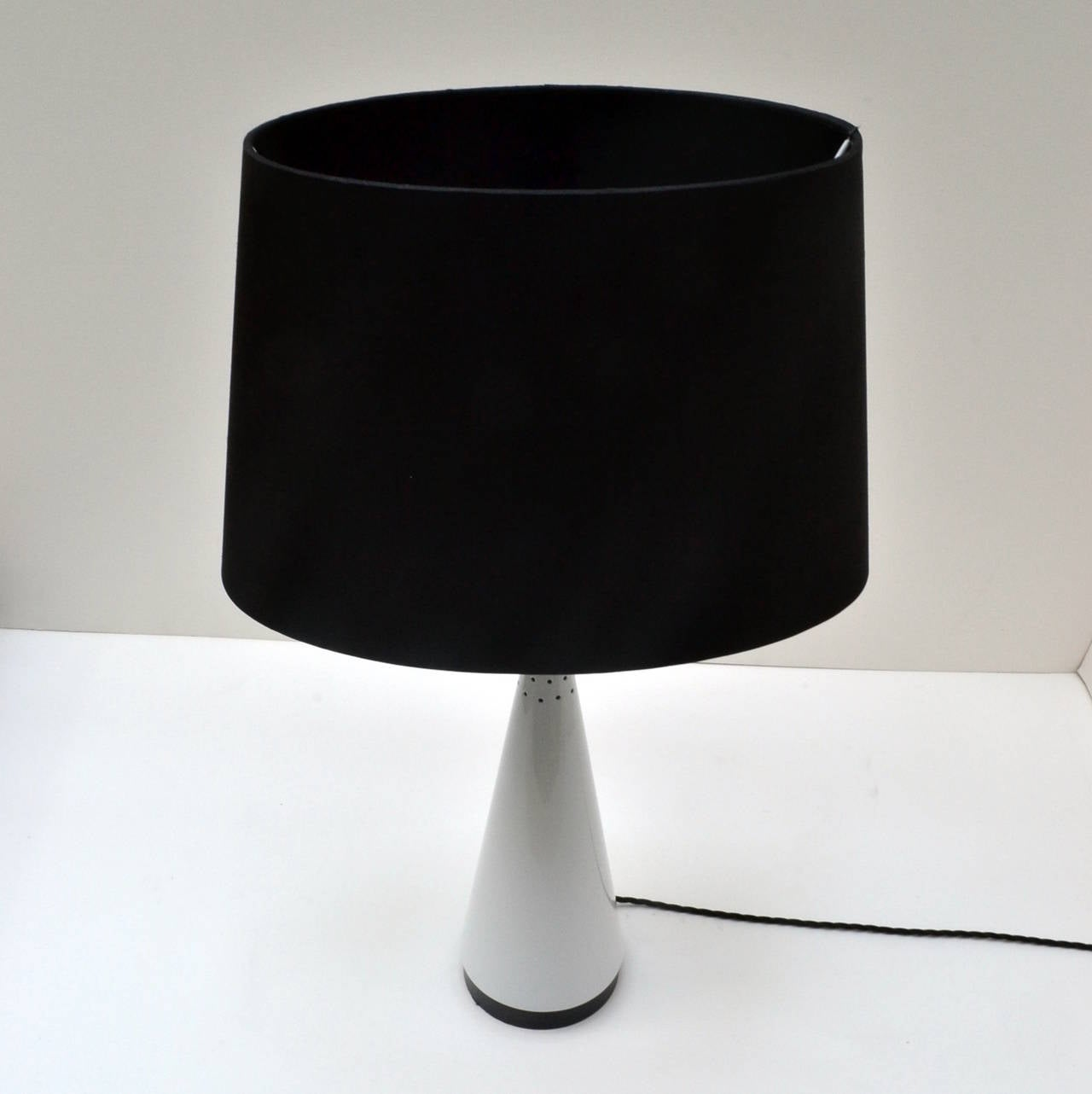 this pair of black and white british table lamps is no longer. Black Bedroom Furniture Sets. Home Design Ideas