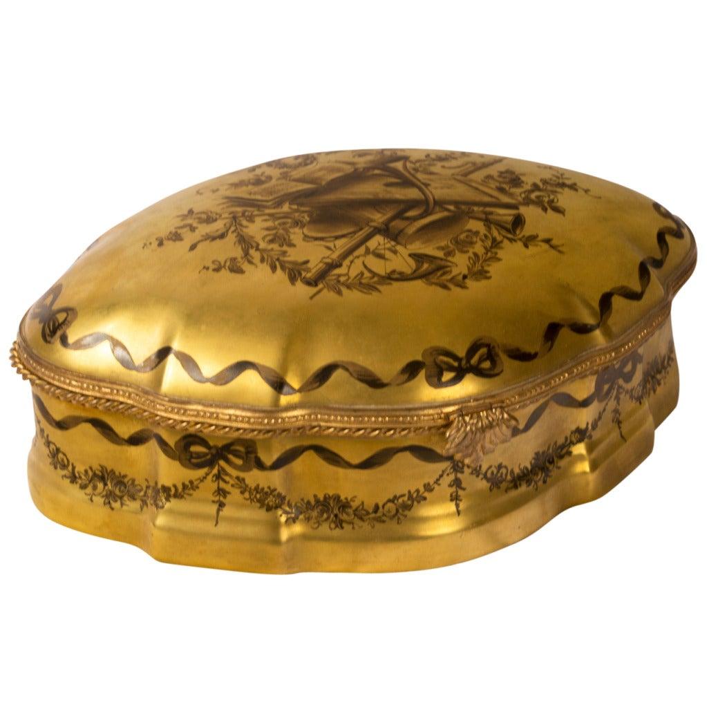 A Gilt Porcelain Keepsake Box