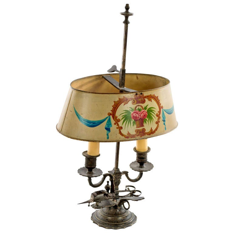 French Beaux-Arts Bouillotte Lamp with Painted Metal Shade For Sale