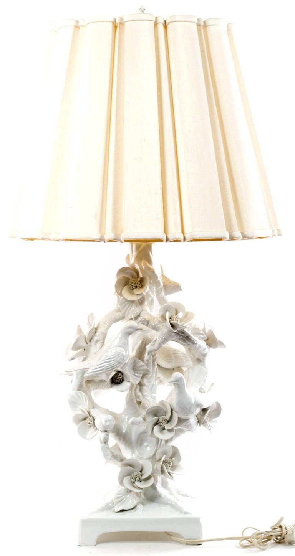Mid-Century Italian Blonde en Chine Porcelain Table Lamp In Good Condition For Sale In Salt Lake City, UT