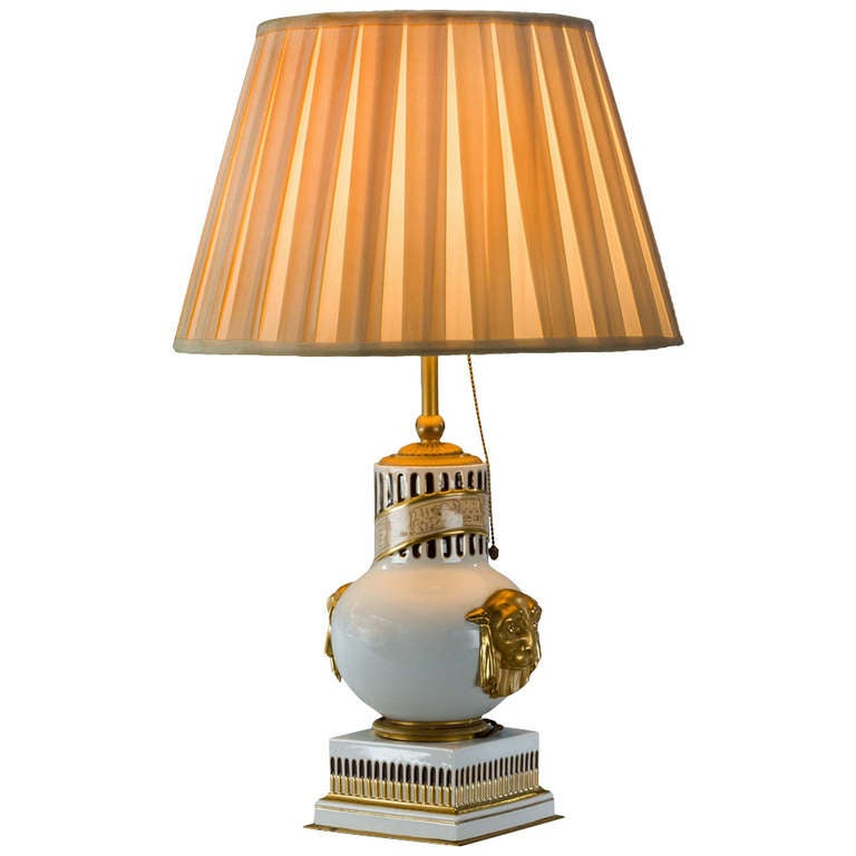 antique french table lamp for sale at 1stdibs. Black Bedroom Furniture Sets. Home Design Ideas