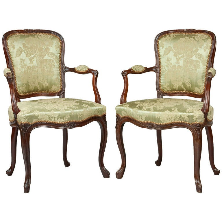 Pair of Hepplewhite Mahogany Armchairs For Sale